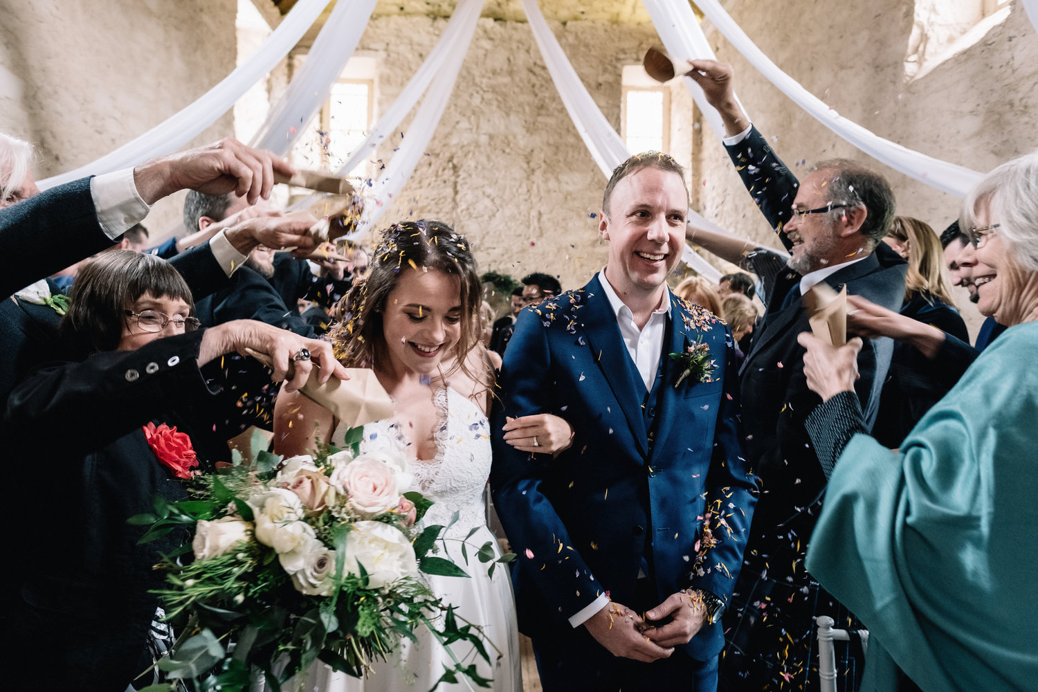 07 Lochnell Castle Wedding Benderloch Confetti Throw 1